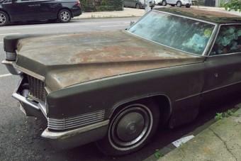 25 év után vontatták el a New York-i Cadillacet