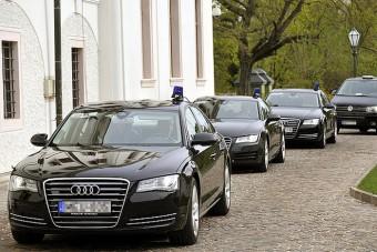 Ettől a cégtől vesz 54 milliárdért autókat az állam