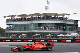 F1: Ferrari-uralom a vizes Silverstone-ban