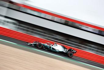 F1: Nagy gyomros Hamiltonnak, Bottasé a pole Silverstone-ban