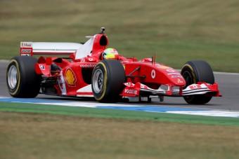 F1: Meghajtotta a kis Schumi apja Ferrariját - videó
