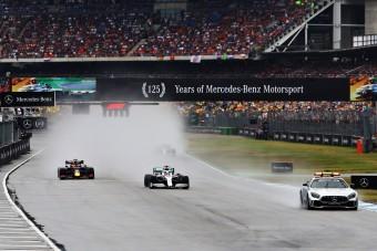 F1: Megúszta a büntetést Hamilton