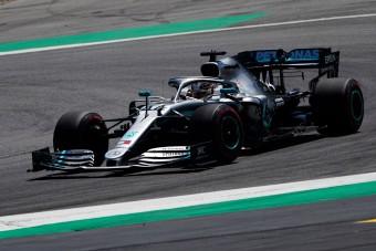 F1: A hazai futamon is küszködhetnek Hamiltonék