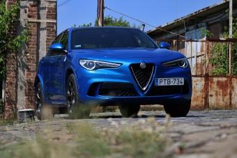 Sportautókat megszégyenítő SUV - Stelvio Quadrifoglio