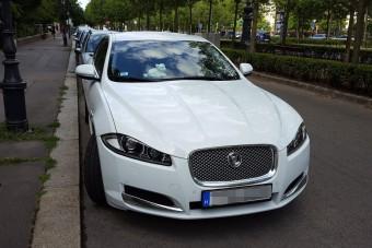 Meglepő módon védi Jaguarját egy pesti autós