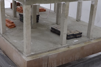 Valaki épített egy félkész építkezést modellméretben