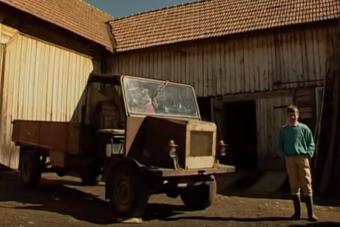Zseniális videó az erdélyi csettegőkről, ilyen házi gépek már nem születnek
