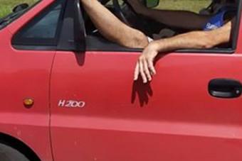 Elszabadult egy autós lába az M3-ason