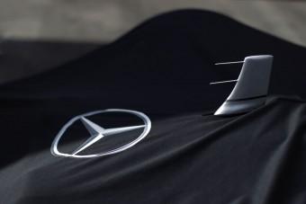 F1: Átfestik Hamiltonék autóját