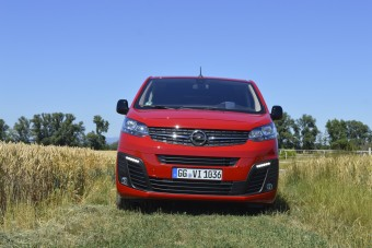 Rá sem ismernél az új Opel Vivaróra