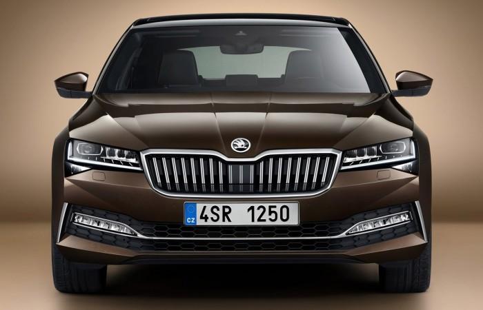 Már terepes változatban is kapható a megújult Škoda Superb 5