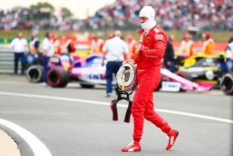 F1: Hamilton megint kiállt Vettel mellett