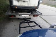 """Ismét egy """"csodás"""" autószállító karavánt fotóztak az M3-ason, ilyen trükköt még nem láttunk 4"""