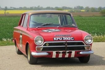 80 milliót ért ez az öreg Ford Cortina. Nem véletlenül!