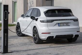 A legerősebb Porsche Cayenne egy hibrid