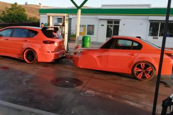 Megalázó poén vagy meglepő újrafelhasználás a BMW 5-utánfutó?