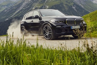 Megérkezett a BMW új öko-terepjárója