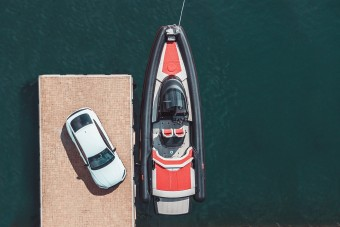 800 lóerővel száguld a vízen az Abt motorcsónakja