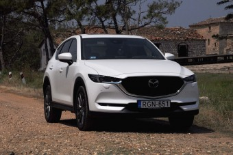 Mit tud a legdrágább Mazda? CX-5 2019 teszt