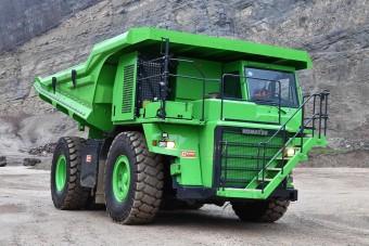 Ez a zöld bányadömper a világ legnagyobb elektromos járműve