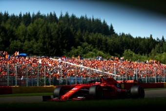 F1: Ferrari 1-2 a füstös belga időmérőn