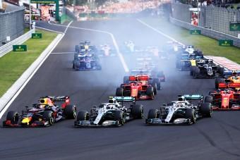 F1: Hamilton átverte Verstappent és megnyerte a Magyar Nagydíjat