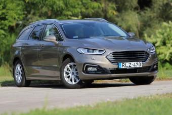 Vajon eljár 5 literrel egy ekkora autó?  - Ford Mondeo hibrid teszt