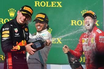 F1: Hamilton a Red Bullba ültetné Alonsót