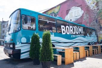 Ez az Ikarus étterembusz most mindent visz