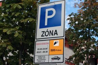 Lakótelepeken válhat fizetőssé a parkolás Budán