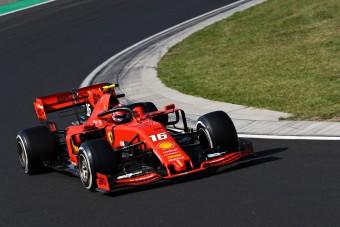 F1: Zárt kapuk mögött köröz a Ferrari Monzában