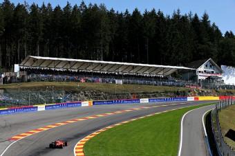 F1: Lángoló autóval ért véget az edzés
