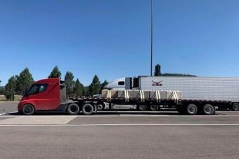Meglepőt állítanak a Tesla kamion hatótávjáról