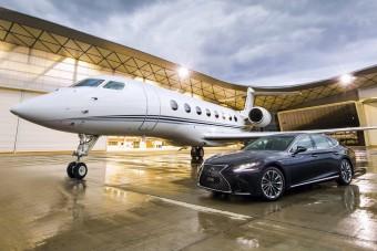 A jacht után jöhet a Lexus repülőgépe?