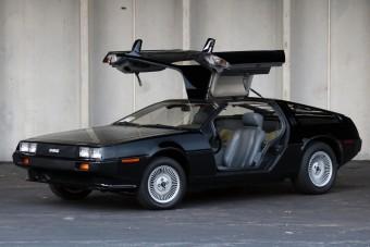Feketében már nem is érdekes a DeLorean?