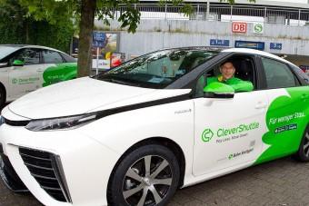 Félmillióan utaztak már a hidrogénes taxikban