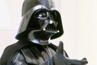 Darth Vader legendás sisakja kerül kalapács alá Los Angelesben