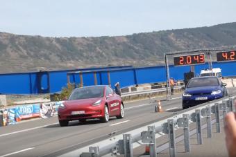 A Tesla Model 3 azért nem mindent verő villanygép gyorsulásban