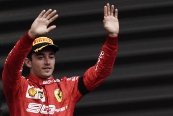 F1: Leclerc elhunyt társának ajánlotta győzelmét