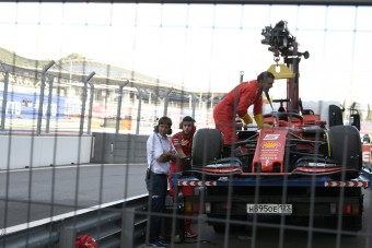 Villeneuve: Lesújtott a karma a Ferrarira
