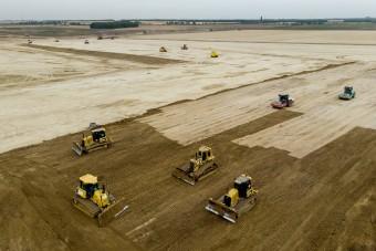Elhalasztják a debreceni BMW-gyár építését