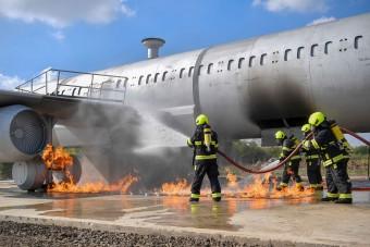 Nagyon komoly gyakorlóeszközt kaptak a debreceni tűzoltók