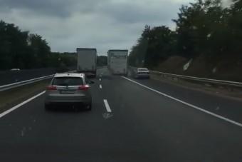 Szabálytalan kamionos, türelmetlen BMW-s és mercis - Majdnem összehozták az év balesetét az M7-esen