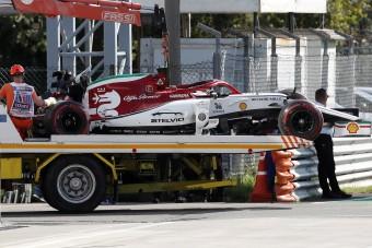 F1: Büntetést kap a balesetező Räikkönen
