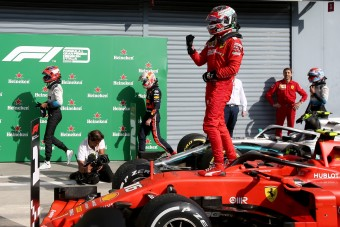 Ferrari: Ezen múlt Leclerc győzelme