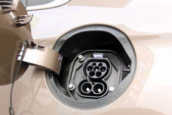 Van egy ország, ahol már több mint egymillió villanyautó-töltő van