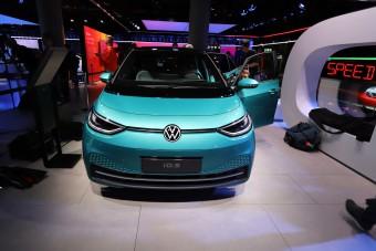 Hamarosan rendelhető a VW első villanyautója