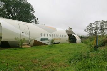 Pusztulásra ítélt repülőből varázsolt szállást egy férfi