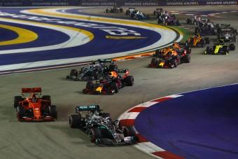 F1: Négyszer annyi előzés Szingapúrban