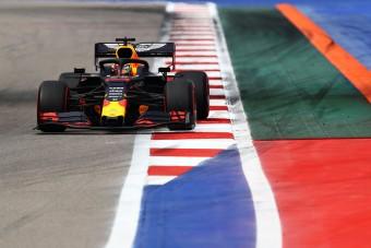 F1: Nagyot villant Verstappen Szocsiban